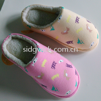 Soft cartoon slippers for men and women