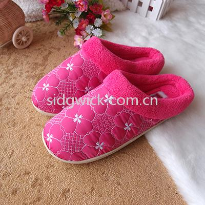 Soft and quiet indoor slippers for women and men