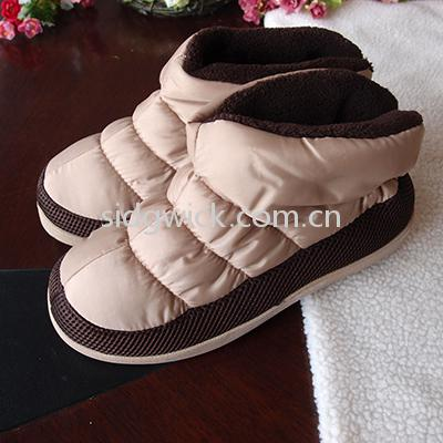Highly elastic indoor boots for men