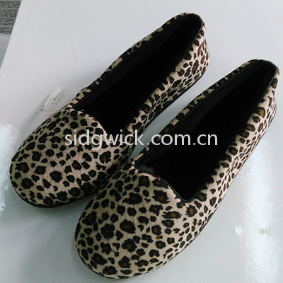 Fashionable flat shoes with pantherine prints for women