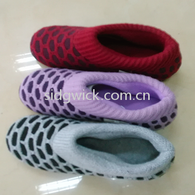 Comfortable crochet shoes for men and women
